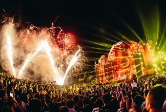 01122018_ZoukOut2018_04-Fireworks238_Clean_PhotoCredit-Colossal-Photos
