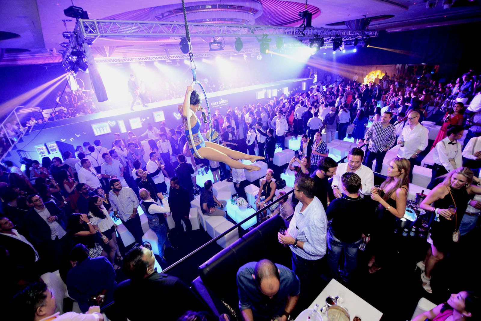 Famous Celebrities To Perform At The Podium Lounge Singapore 2019